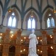 カナダ国会議事堂内の木造図書館